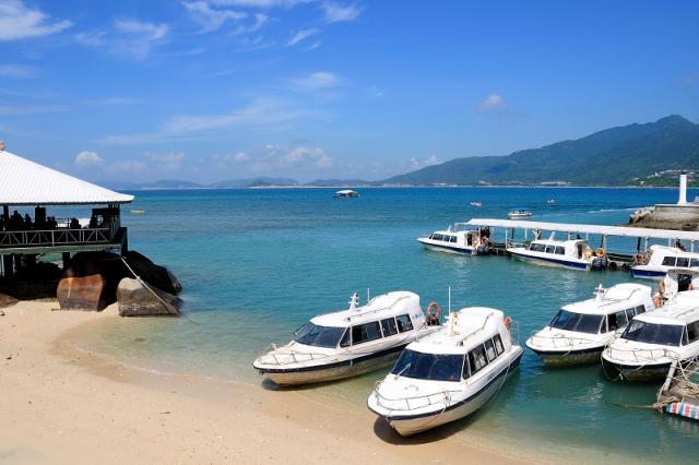 海南/三亚旅游/分界洲岛/东边太阳西边雨