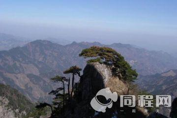 万佛山风景区位于通道县临口镇太平岩村