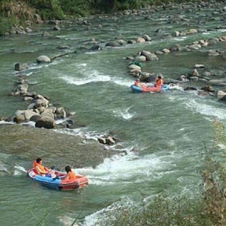 杭州千岛湖旅游 金峰峡谷漂流