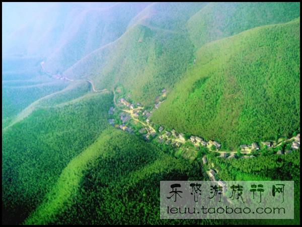 南山竹海位于溧阳南部山区,东与宜兴市相接,北枕天目湖,目前拥有3.