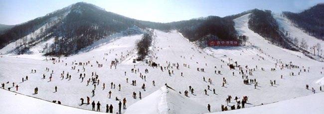 2012年春节滑雪 新体委滑雪场全天滑雪门票 景