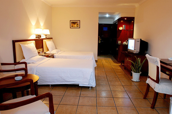 三亚寰岛海底世界酒店_亚龙湾三星酒店_最便宜的酒店
